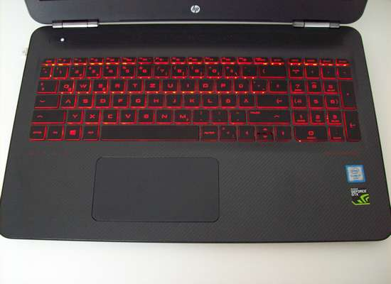 HP OMEN - Gaming-Notebook mit Tastatur mit roter Beleuchtung